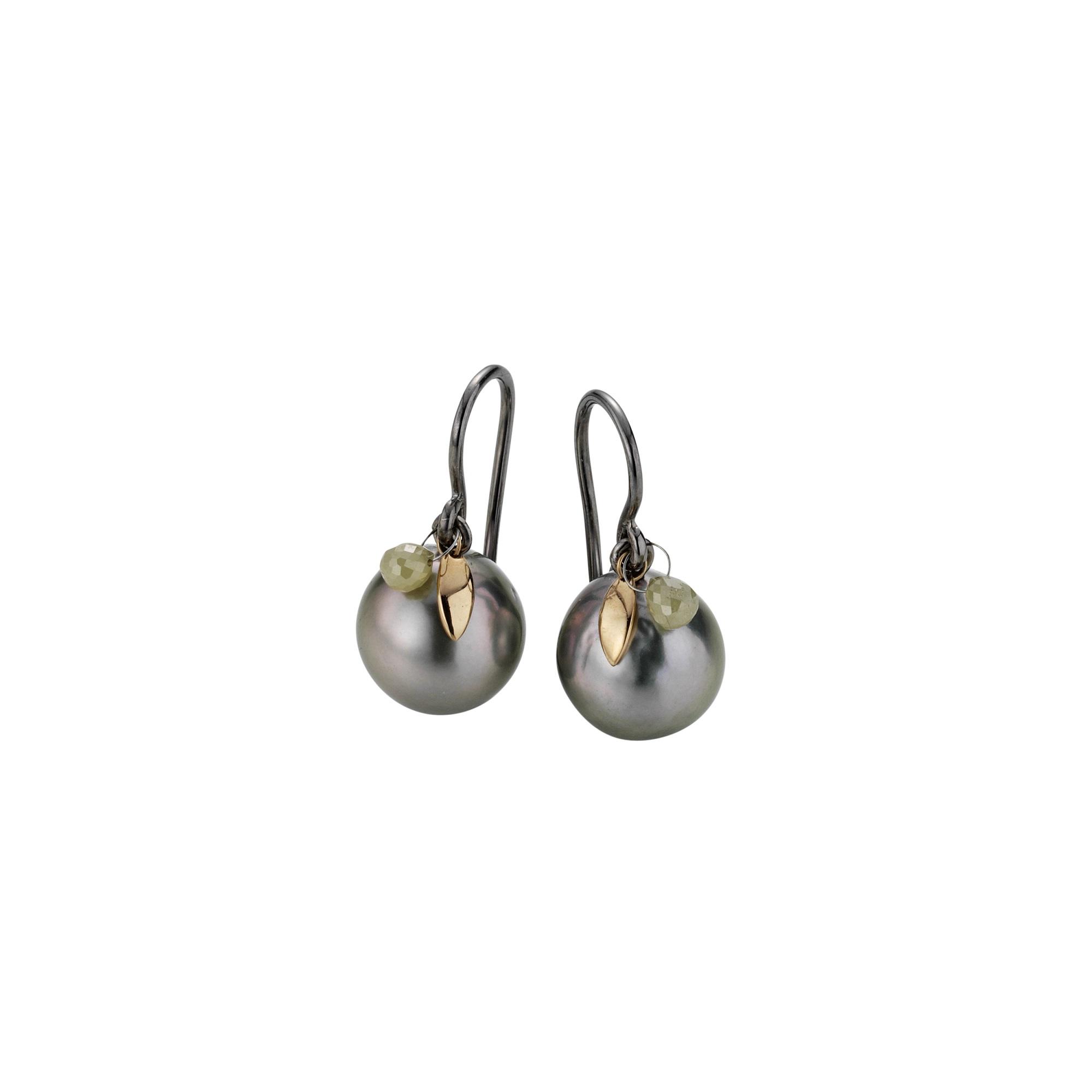 Ohrschmuck aus Silber und Roségold mit Tahiti-Zuchtperlen und Diamant-Briolette