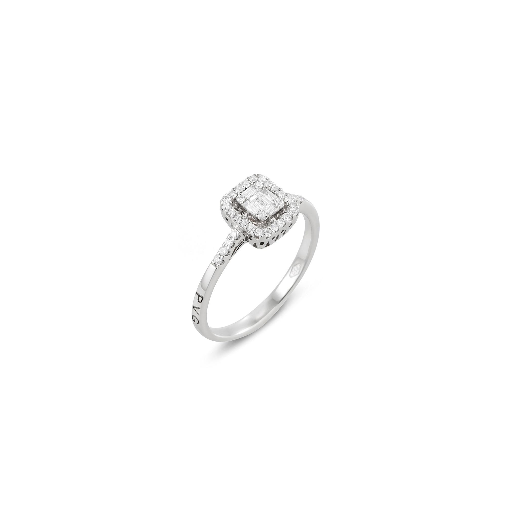 Ring aus Weißgold mit Diamanten
